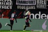 Eintracht menggagalkan kemenangan perdana Klinsmann bersama Hertha
