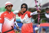 Trio srikandi Indonesia merelakan emas compund putri direbut Thailand