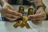 Harga emas Antam melonjak jadi di atas Rp800.000 per gram