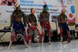 Parade kesenian memperingati Hari Disabilitas Internasional