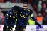 Arsenal lolos 32 besar sebagai juara Grup F