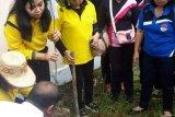 GOW Gumas peringati Hari Ibu dengan menanam bibit pohon