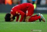 Dwigol Salah buat Liverpool makin melejit