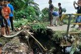 Pemkab Dharmasraya sampaikan kerusakan Jembatan Sitiung Ke Pemprov Sumbar