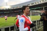 Trigol Steven Bergwijn bawa Feyenoord lumat PSV 3-1