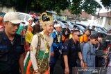 Nitilaku UGM diikuti peserta berkostum wayang, pejuang, adat Nusantara