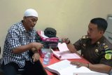 Kejari Padang tahan tersangka kasus dugaan pungli BPHTB