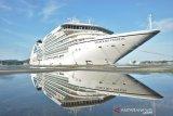 Kapal pesiar MS Seaborn Ovation bawa 994 orang turis sandar di Kota Sabang