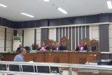 Mantan Aspidsus Kejati Jateng didakwa terima suap Rp3 miliar