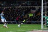 Duo Manchester dan Leicester melenggang ke semifinal  Piala Liga