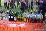 Polres Sangihe memusnahkan ribuan botol minuman beralkohol