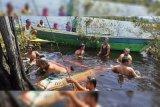 Satu keluarga, ibu hamil dan anaknya tewas tenggelam di danau Kapuas Hulu