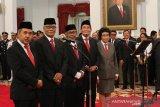 Lima Dewan Pengawas KPK terpilih dan ucapkan sumpah di depan Presiden Jokowi