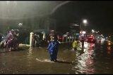 Arus Lalu Lintas Medan-Padang lumpuh karena banjir