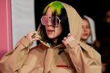 Billie Eilish lewati masa karantina dengan menulis materi lagu baru