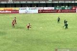 Badak Lampung kalah 1-2 dari Persebaya, pelatih tetap puas permainan tim
