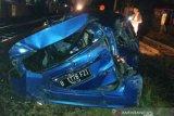 Terabas palang KA, 7 penumpang mobil tewas tertabrak kereta