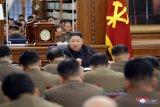 Dalam rapat partai, Kim Jong Un menekankan persenjataan