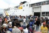 Jelang Natal, Pelabuhan Pare-pare dipadati penumpang