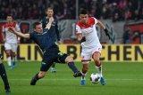 Dua tim zona merah Liga Jerman meraih kemenangan 2-1