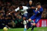 Saudara pemain belakang Tottenham Aurier tewas ditembak di Prancis