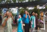 Di Kendari, warga antusias melihat proses terjadinya GMC