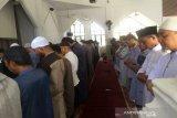 Ratusan umat muslim di Kendari gelar shalat gerhana matahari