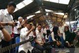 Menhub hibur penumpang KA di Stasiun Tugu Yogyakarta dengan lagu