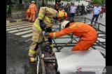 Polisi Nyatakan Rangka keropos penyebab reklame tumbang di Cengkareng