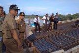 Berkat bantuan gubernur, pembangunan jembatan di Barut nyaris selesai