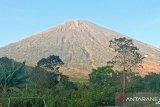 BTNGR hentikan pendakian Gunung Rinjani Lombok