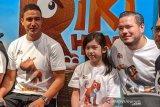 Ayah dan anak Zack Lee dan Mikhaela Lee main film animasi