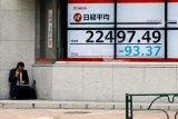 Saham Tokyo dibuka menguat karena penurunan yen angkat eksportir