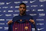 Bek Barcelona mengabarkan dirinya positif COVID-19