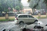 BMKG sebut beberapa kota berpotensi alami hujan petir pada Senin