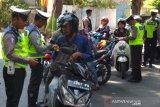 Dibanding jalur utama, jalur alternatif banyak ditemukan pelanggaran lalu lintas
