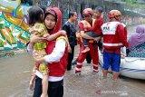 Banjir Jabodetabek ada aksi heroik PMI selamatkan warga