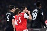 Arsenal tumbangkan MU 2-0