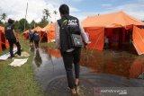 ACT-MRI bagikan makanan kepada warga Mataram tergusur