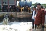 Ganjar Pranowo temukan pencemaran sungai saat mengecek rumah pompa