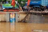 Jakarta dan sekitarnya diguyur hujan, pintu air Manggarai dan Karet siaga III