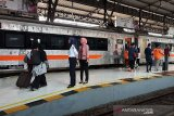 32 perjalanan KA lintas selatan Jawa dihentikan sementara
