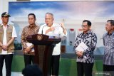 Menteri Basuki tegaskan normalisasi atau naturalisasi tetap butuh pelebaran sungai