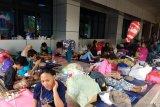 Warga Cipinang Melayu pilih bertahan di pengungsian meski banjir surut