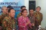 Susi Pudjiastuti : Terus tegakkan hukum terhadap pencuri ikan