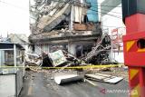 Kronologi gedung ambruk di Palmerah versi pegawai minimarket