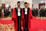 Presiden  saksikan pengucapan sumpah dua Hakim Konstitusi