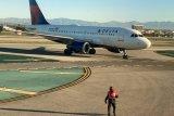 Jelang pendaratan darurat,  pesawat Delta buang bahan bakar dan mengenai sejumlah sekolah