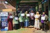 ACT  salurkan bantuan biaya hidup bagi puluhan guru di Tasikmalaya