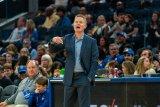 NBA denda Steve Kerr 25 ribu dolar AS karena hina wasit